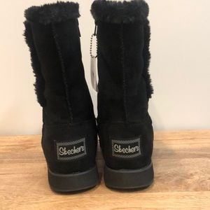 NWT Skechers Toasty Toes boots black Size 6 NWT